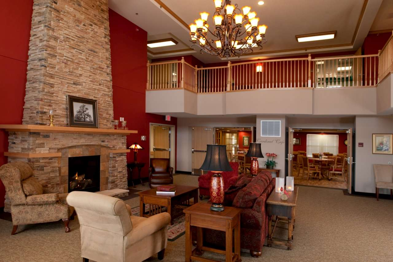 Villa Vista Cardinal Court